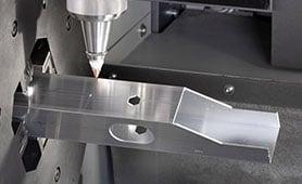 Correzione automatica dei parametri di taglio laser