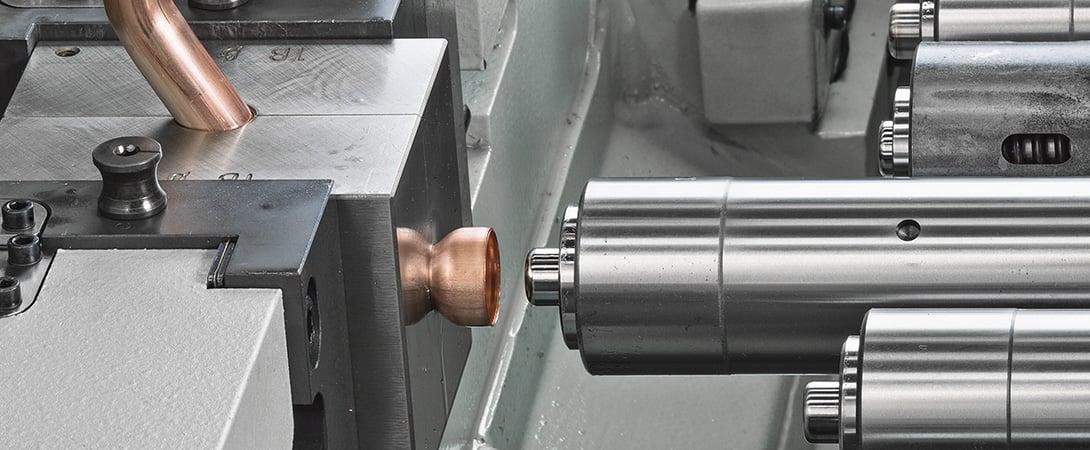 Reducir el tiempo ciclo de la deformación de tubos.