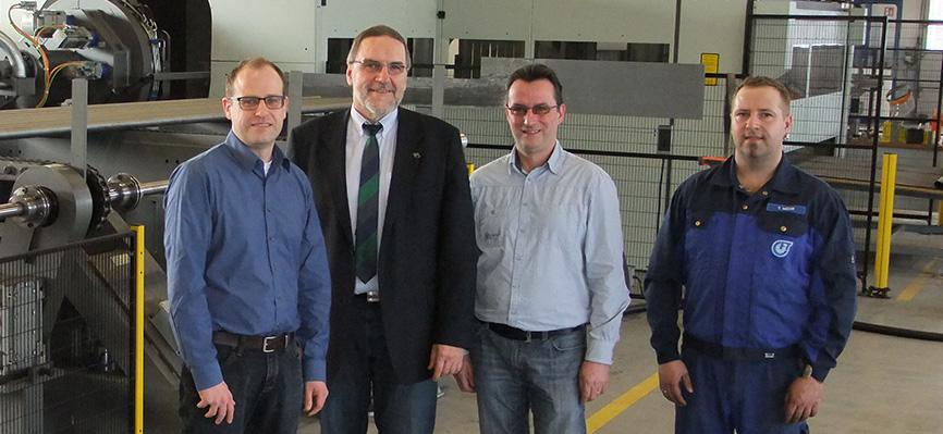 Gothaer Fahrzeug Technik - Construindo grande com corte a laser