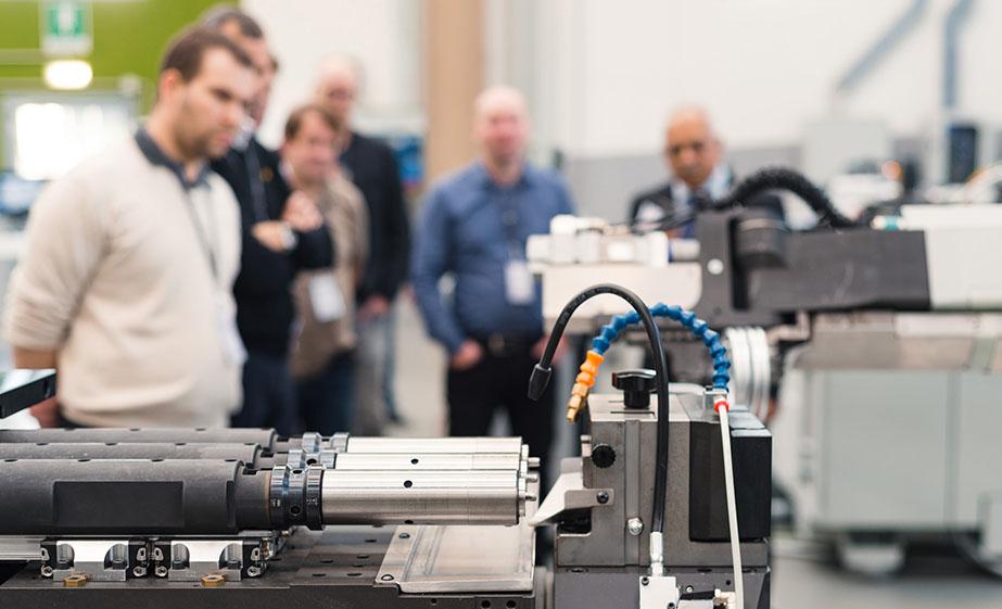 BLM GROUP heeft veel geïnvesteerd in de opleiding van onze technici en medewerkers om de in de loop der jaren opgedane kennis over te dragen op uw productieproces.