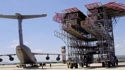 Grande struttura tubolare per manutenzione aerei